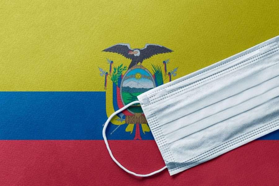 Bandiera dell'Ecuador con mascherina